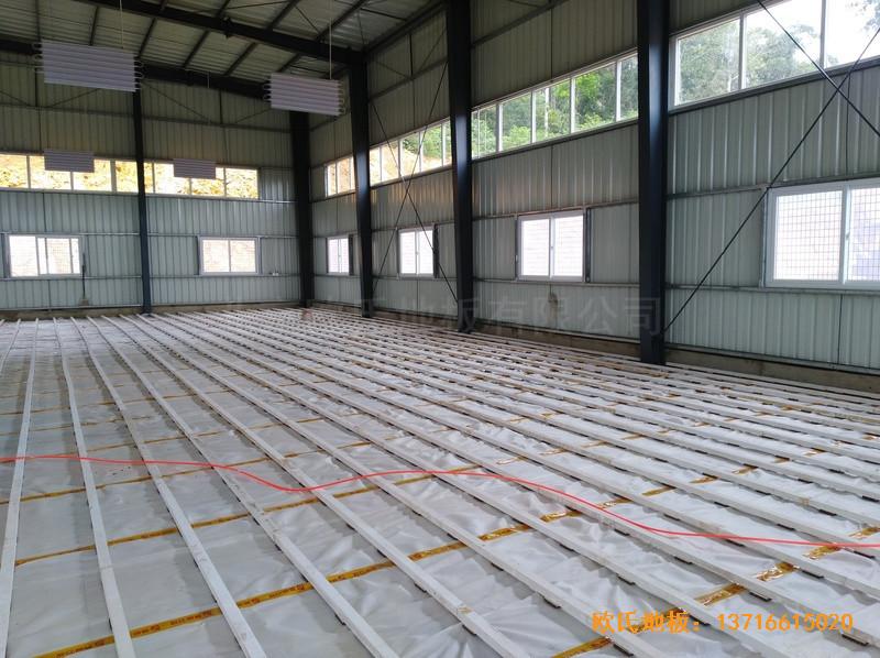 巴布亚新几内亚羽毛球馆运动木地板安装案例
