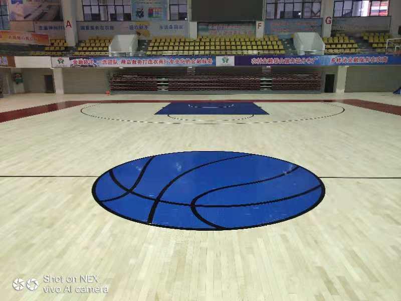 篮球场馆木地板应该预留多少高度